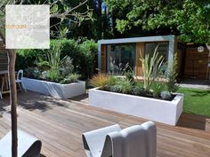 Modern patio landscape design ideas for backyard with hardwood flooring