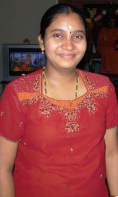 Beautiful Women Over 40, Beautiful Women Pictures, Beautiful Girl Photo, Beautiful Girl Indian, Beautiful Indian Actress, Beautiful Saree, Indian Natural Beauty, Indian Beauty Saree, Beauty Full Girl