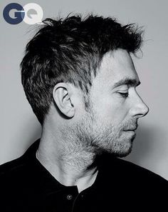 Damon Albarn Is it just me or is his nose fucking perfect?