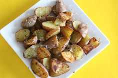 Rosemary Roasted Potatoes - Judicial Peach (Christmas Vegetarian Dairy Vegetables Animal products Appetizer / sides Potato Party Salt Rosemary Black pepper Red potatoes Parmesan cheese Olive oil)