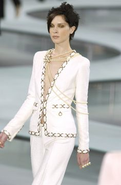 Chanel Spring 2002 Runway Pictures - StyleBistro