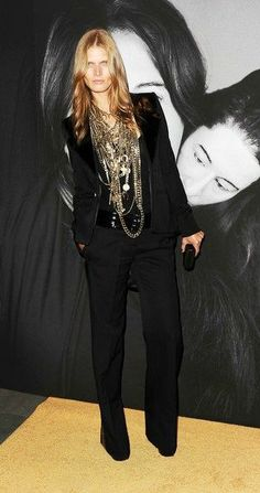 Malgosia Bela all black with chains