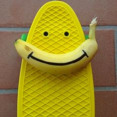 smiling penny Skateboard Tumblr, Penny Skateboard, Long Skate, Tumblr Quality, Skate Girl, Longboarding, Mellow Yellow, Skateboards, Pennies