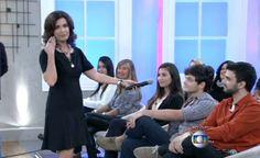 Fátima Bernardes ri de si mesma ao relembrar erro no uso de microfone com Felipão   TV Esporte Blog -Debora Maria I Yahoo TV.