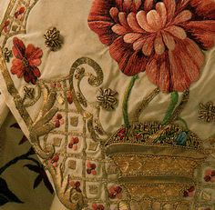 They reissued Fashion in Detail, a wonderful book on the 17th & 18th-century costumes which gives the opportunity to have a close-up look at the details of several historical costumes from the Victoria and Albert Museum.