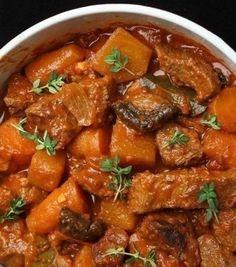 Нам принесли мясо, вкуснее которого я не ела в жизни. Оно было и жаренным и тушеным одновременно, ароматным но не забитым избытком специй. Оно таяло во рту, казалось чуть сладковатым, но с благородной кислинкой.. И мягкости необычайной…Берете любое...