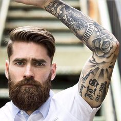 Cute short and full beard styles for men are changing rapidly and gaining lot of importance in the male society. Full beard style is the most popular trend Great Beards, Awesome Beards, Beard Styles For Men, Hair And Beard Styles, Hipster Bart, Bart Tattoo, Bart Styles, Sexy Bart, Hipster Hairstyles