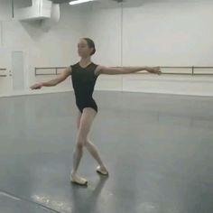 Ballet Gif, Ballet Dance Videos, Dance Choreography Videos, Ballet Dancers, Ballet Quotes, Dance Quotes, Ballet Turns, Ballet Dance Photography, Ballerinas