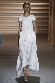 Simplicity at #Tibi RTW Spring 2015 - feeling the japanese inspiration