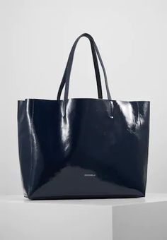 DIN ØNSKELISTE Ted Baker, Tote Bag, Bags, Fashion, Handbags, Moda, Fashion Styles, Totes, Fashion Illustrations