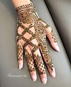 Unique & Simple Mehndi Henna Design Ideas For Hands With Images