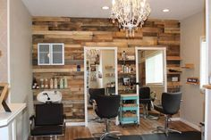3 New Age Tips To Find A New Salon  Read the article here - http://www.blackhairinformation.com/general-articles/tips/3-new-age-tips-find-new-salon/