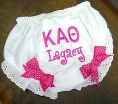 omg my future daughter WILL have this. Saying Sigma Kappa of course! Perfect Baby shower gift for any and all Sigma Kappa sister! Kappa Alpha Theta, Alpha Chi, Kappa Delta, Phi Mu, Future Daughter, Future Baby, Little Ones, Little Girls, Sorority Life