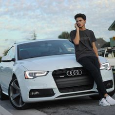 Brent Rivera, Poses For Men, Boy Poses, Emo Guys, Cute Guys, Celebrity Dads, Celebrity Crush, Youtube Boyfriend, Grooms