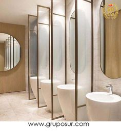 This restroom design consists of simpleness, practice, modernity, simplicity, modernity and also also luxury. All suggested for those who intend to fantasize in your home in the bathroom Washroom Design, Toilet Design, Modern Bathroom Design, Bathroom Interior Design, Modern Design, Bathroom Toilets, Bathroom Fixtures, Small Bathroom, Master Bathroom