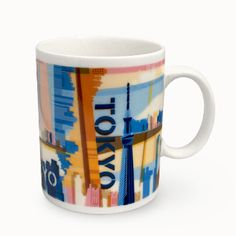 Starbucks Collectors' Mugs from Tokyo - Japan Goods Finder Coffee Tin, Coffee Corner, Coffee Mugs, Starbucks City Mugs, Cool Mugs, Cool Rooms, Tokyo Japan, Gifts For Friends, Tea Cups