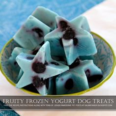 Fruity Frozen Yogurt Dog Treats - Easy to Make in Any Flavour Combo Your Dog Enjoys! Homemade Dog Treats, Healthy Dog Treats, Dog Treat Recipes, Dog Food Recipes, Frozen Dog Treats, Puppy Treats, Dog Cookies, Dog Care Tips, Pet Tips