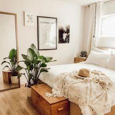 5 Keen Tips AND Tricks: Minimalist Bedroom Bohemian Blankets rustic minimalist home diy.Minimalist Home Interior Dreams minimalist bedroom organization storage.Colorful Minimalist Home Rugs. Apartment Bedroom Decor, Home Bedroom, Apartment Living, Girls Bedroom, Dream Bedroom, Bedroom Inspo, Warm Bedroom, Bedroom Furniture, Bedroom Neutral