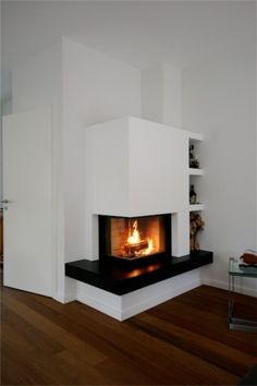 Kliknite, da zaprete sliko, kliknite in povlecite za premik. Modern Fireplace Decor, Fireplace Redo, Farmhouse Fireplace, Living Room With Fireplace, Fireplace Design, Fireplace Mantels, Fireplaces, Corner Log Burner, Modern House Plans