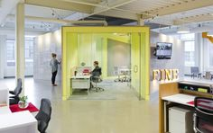 Wrapped in a writable and magnetic surface, the walls are used for brainstorming and pin-up space.