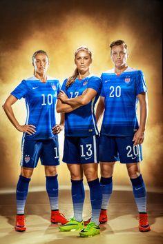 Going of the GOLD! My portrait of Carli Lloyd, Alex Morgan and Abby Wambach for Spor Usa Soccer Team, Female Soccer Players, Team Usa, Nike Soccer, Soccer Cleats, Soccer Art, Soccer Poses, Carli Lloyd, Soccer Inspiration