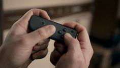 Syrenne McNulty que está trabajando oficialmente en el desarrollo de Nintendo Switch se ha pasado por el podcast de Radio Free Nintendo para compartir información sobre Nintendo Switch. En concreto ha despejado algunas dudas como el online de pago y las pérdidas económicas que supuso WiiU para la compañía además de hablar del Pro Controller los Joy-Con Empecemos!  Joy-Con  La tecnología ha sido su punto fuerte.  La vibración HD ha sido el verdadero reto. Dependiendo de la intensidad de lo…
