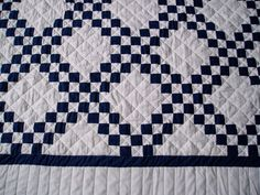 Navy Blue and White Quilt  love the simple pattern