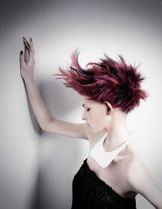 Pin by Edward Tricomi on Inspiration in 2018 Creative Hair Color, Cool Hair Color, Funky Hairstyles, Girl Hairstyles, Creative Haircuts, Corte Y Color, Pinterest Hair, Hair Photo, Crazy Hair