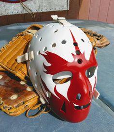 Hockey Helmet, Hockey Goalie, Football Helmets, Goalie Mask, Masked Man, Cool Masks, Mask Design, Nhl, Warriors
