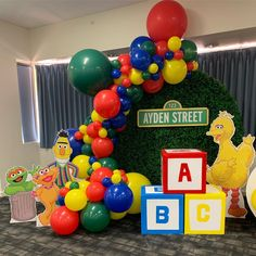 Too impatient to wait for the professional photos. My absolute favourite set up to date. Had so much fun creating and styling this Sesame… Boys 1st Birthday Party Ideas, Second Birthday Ideas, 1st Boy Birthday, First Birthday Parties, Sesame Street Party, Sesame Street Birthday Party Ideas, 1st Birthdays, Elmo Party Decorations, Sesame Street Decorations
