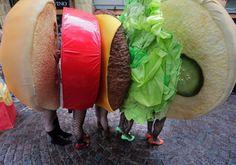 Augenblick in Kawasaki: Halloween feiern im Burger-Kostüm - SPIEGEL ONLINE