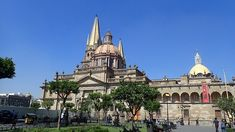 Planning a backpacking trip to Mexico? With some of the best cultural sites and Mexican cuisine in the country, here's why you need to put Guadalajara in Jalisco on your travel itinerary Mexico Food, Mexico City, Places To Travel, Travel Destinations, Mexico Culture, Mexico Resorts, Relaxing Places, Baja California, Italy Vacation