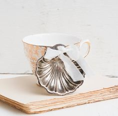 Vintage Silver SHELL Ring Bearer Container by redtruckdesigns