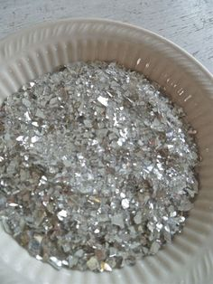 HOW TO MAKE VINTAGE GLASS GLITTER