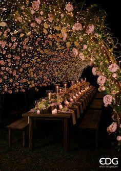 Blush Bridesmaid Dresses Blush color - beautiful table decoration Source by sabaaydini - Wedding Scene, Forest Wedding, Wedding Ceremony, Our Wedding, Wedding Venues, Dream Wedding, Trendy Wedding, Wedding Locations, Spring Wedding