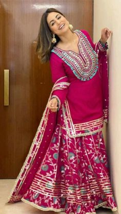 Patiala Suit Designs, Kurta Designs, Mehndi Designs, Stylish Dress Designs, Stylish Dresses, Boho Fashion, Fashion Dresses, Fashion Art, Afghani Clothes