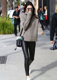 Kendall Jenner steps out in the Mika sweater by 1—01 Babaton for Aritzia in LA.