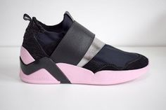 SERAFINI Dover Black Stretch Runner Ladies with Pink Sole