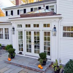 We've worked in the Granite State since 1981 through the design and construction of custom glass products, enclosures, and home additions.
