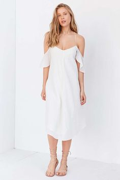 Silence + Noise Ella Cold-Shoulder Midi Dress - Urban Outfitters