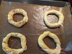 Ζουζουνομαγειρέματα: Κουλούρια βουτύρου ΦΑΝΤΑΣΤΙΚΑ!!! Doughnut, Cooking Recipes, Desserts, Food, Tailgate Desserts, Recipes, Deserts, Chef Recipes, Essen