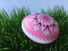 Items similar to Polish Pysanka in Pink, Hand Painted Chicken Egg, Wax Embossed Egg on Etsy Polish Easter, Small Chicken, Chicken Eggs, Egg Decorating, White Gift Boxes, Lace Design, Egg Shells, Etsy Shipping, Flower Designs