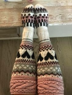Knit Crochet, Crochet Hats, Knitting Socks, Hobbies And Crafts, Leg Warmers, Fingerless Gloves, Knitting Patterns, Slippers, Stockings