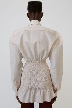 Love the volume at the shoulders and hourglass figure the smocking/shirring creates 80s Fashion, Fashion 2020, Modest Fashion, Korean Fashion, Runway Fashion, Boho Fashion, High Fashion, Womens Fashion, Fashion Trends