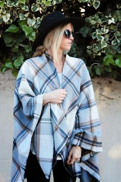 Comfy Fall Cape Tutorial | Snuggle up with this comfy chic cape by following this 5 step tutorial!