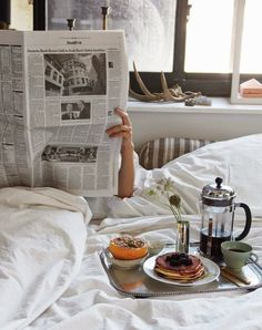 Breakfast In Bed Couple Sunday Morning Coffee Ideas Memorial Day, Breakfast And Brunch, Morning Breakfast, Breakfast Ideas, Easy Like Sunday Morning, Lazy Morning, Morning Bed, Happy Saturday, Morning Person