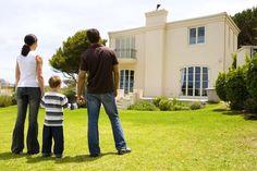 Muitos investidores, na hora em que buscam um imóvel, se deparam com a seguinte dúvida: Será melhor investir em um novo empreendimento ou uma casa antiga? Descubra!