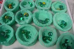 Once upon an Art Room: Clay Pinch Pots with Melted Marbles  Wouldn't these be neat with fish painted on the bottom first?