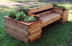 Cute DIY Pallet Raised Garden Bed | DIY Craft Projects