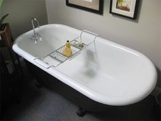 AptTherapy - cleaning porcelain tub or sink // Our bathroom sink needs some tlc